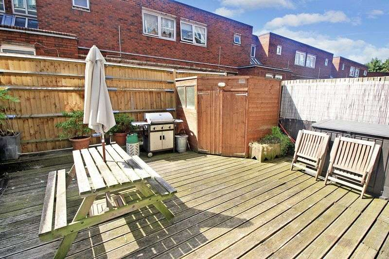 3 Bedrooms Flat for sale in Purchese Street, London NW1