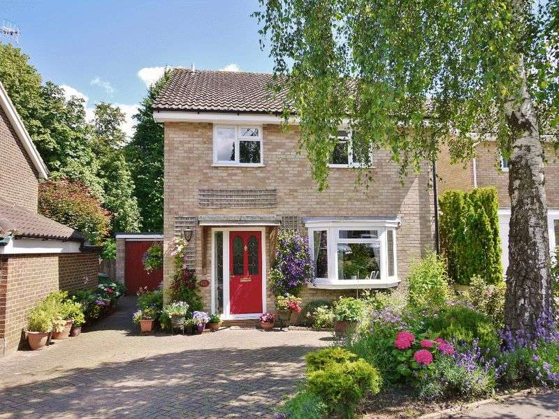 4 Bedrooms Detached House for sale in Ridgeway, Pembury