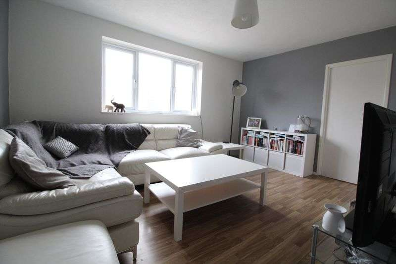 3 Bedrooms Flat for sale in River Drive, South Shields