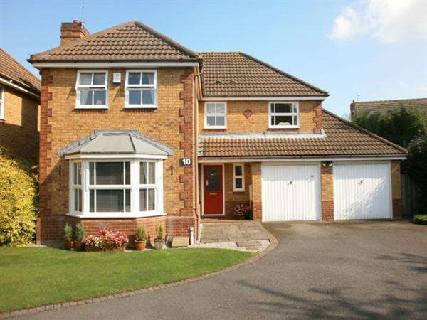 4 Bedrooms House for sale in COOKS GARDENS. WRAXALL