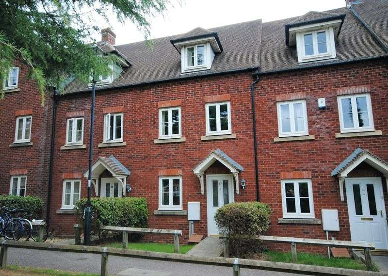 3 Bedrooms Terraced House for sale in Lister Close, EXETER