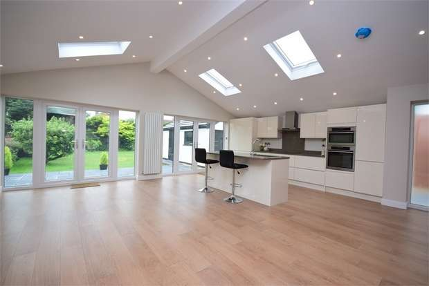 4 Bedrooms Detached House for sale in Windsor Road, LYTHAM ST ANNES, Lancashire