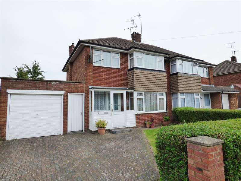 3 Bedrooms Property for sale in Millers Ley, Dunstable