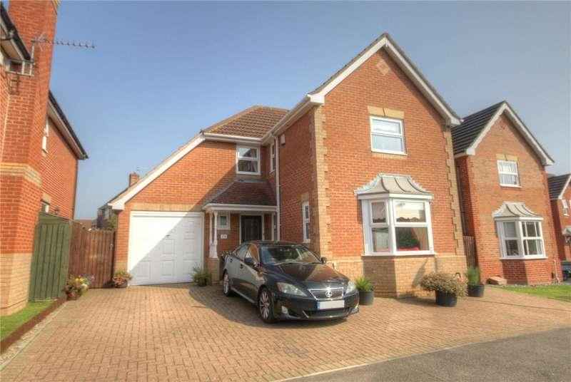 4 Bedrooms Detached House for sale in Oakwood Drive, Darlington, County Durham, DL1