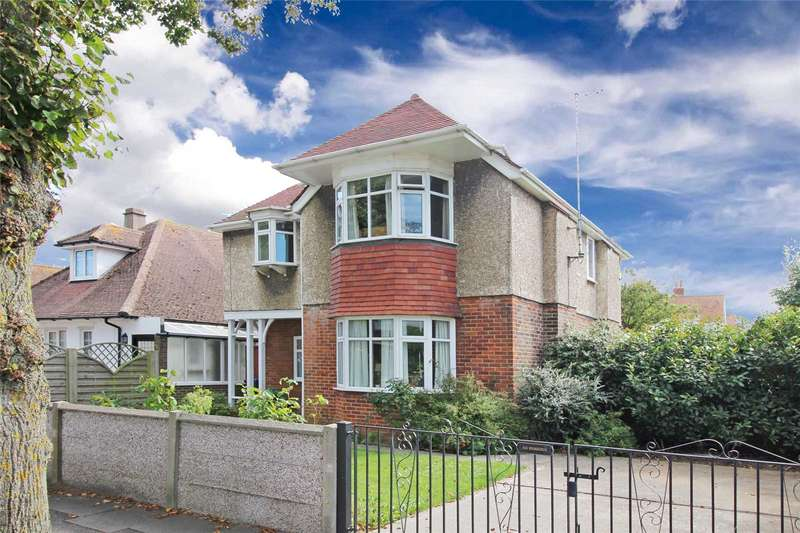 4 Bedrooms Detached House for sale in Georgia Avenue, Broadwater, Worthing, BN14