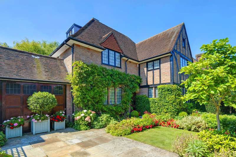 4 Bedrooms Detached House for sale in Meadway Close, Hampstead Garden Suburb
