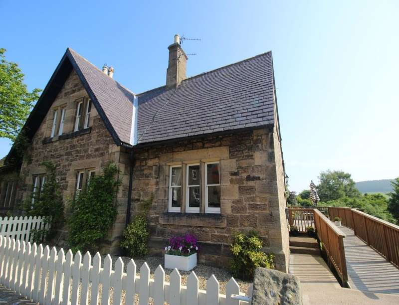 4 Bedrooms Semi Detached House for sale in Church Hill, Chatton, Alnwick, NE66