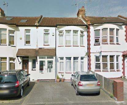 4 Bedrooms Terraced House for sale in Southend-On-Sea, Essex