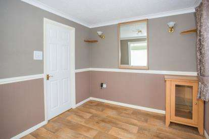 2 Bedrooms Bungalow for sale in Butt Lane, Burgh Castle, Great Yarmouth