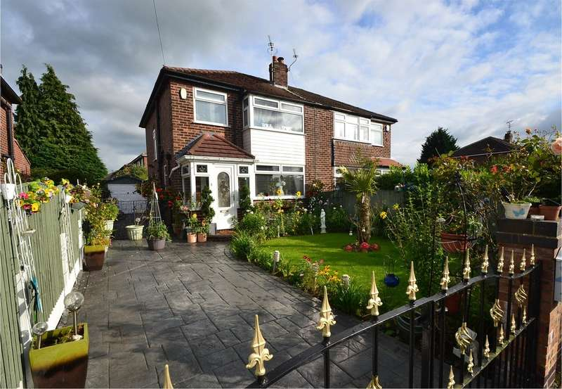 3 Bedrooms Semi Detached House for sale in Knowsley Road, Hazel Grove, Stockport SK7 6BW