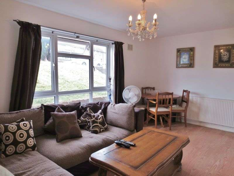 2 Bedrooms Flat for sale in Hawkhurst Road, Brighton