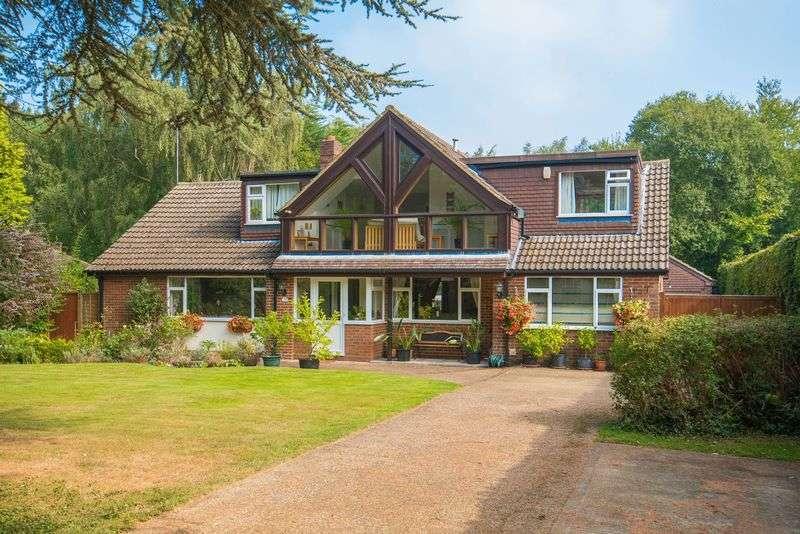 5 Bedrooms Detached House for sale in Oakway, Studham