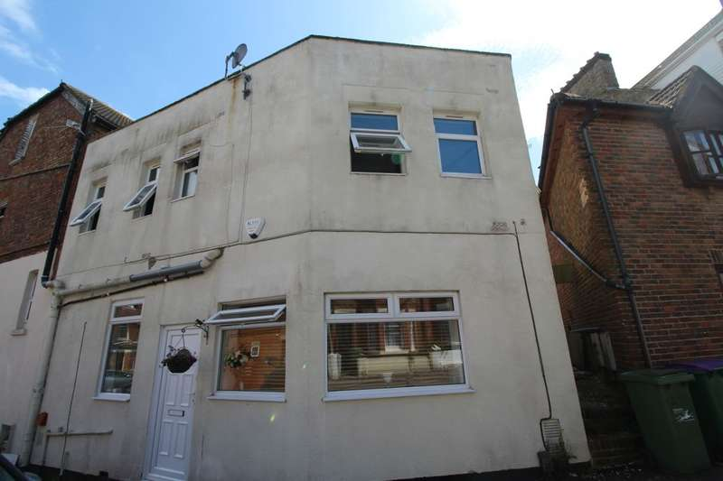 2 Bedrooms Property for sale in Bournemouth Road, Folkestone, CT19