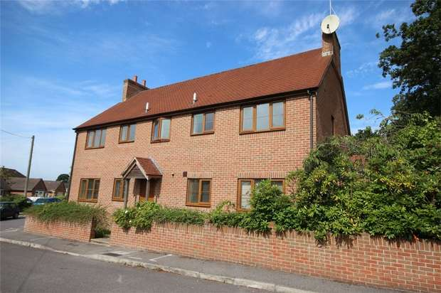 1 Bedroom Flat for sale in Coronation Avenue, Upton, Poole, Dorset, Dorset