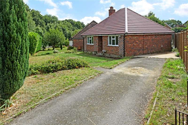 2 Bedrooms Detached Bungalow for sale in Eashing Lane, Godalming, Surrey, GU7