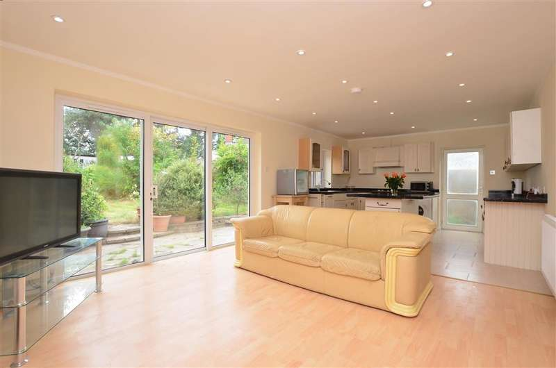 3 Bedrooms Bungalow for sale in Richmond Gardens, Canterbury, Kent