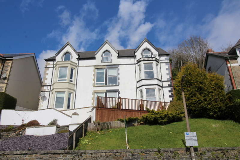 4 Bedrooms Semi Detached House for sale in Tyfica Road, Pontypridd