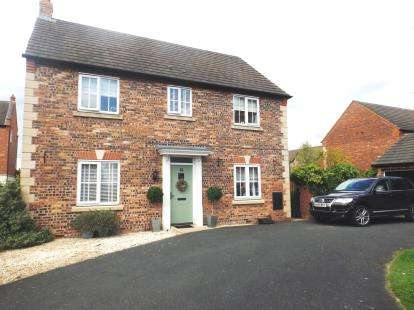4 Bedrooms Detached House for sale in Pennymoor Drive, Middlewich, Cheshire
