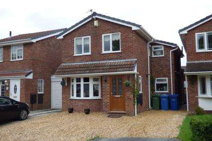 4 Bedrooms Link Detached House for sale in Morton Close, Old Hall, Warrington, Cheshire