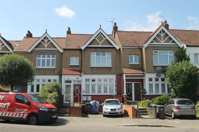 2 Bedrooms Maisonette Flat for sale in Green Lanes, N13