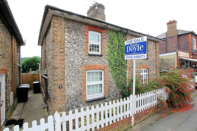 2 Bedrooms Semi Detached House for sale in St Johns Road, Boxmoor