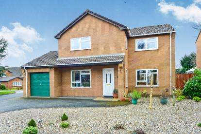 3 Bedrooms Detached House for sale in Llys Llannerch, St. Asaph, Denbighshire, North Wales, LL17
