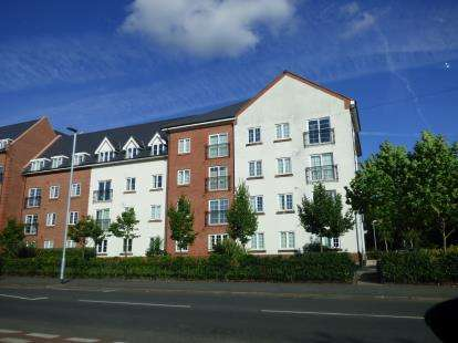 1 Bedroom Flat for sale in Greenings Court, Warrington, Cheshire, WA2