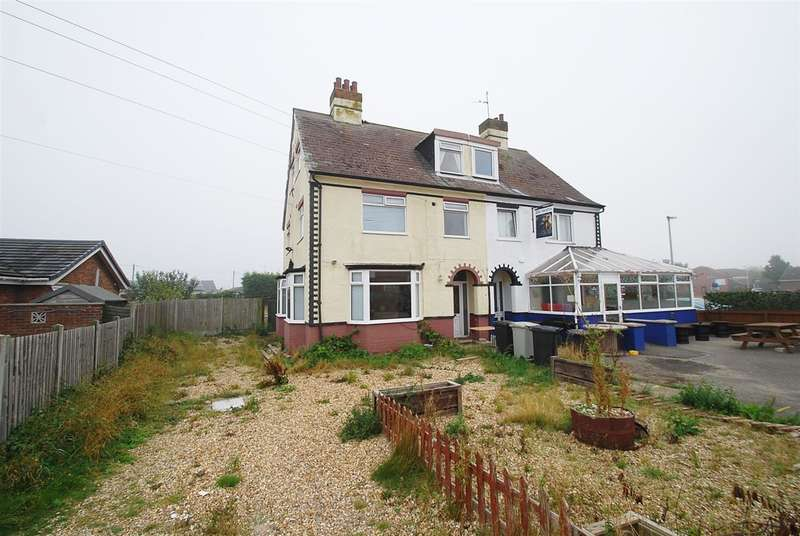 6 Bedrooms Semi Detached House for sale in Sea Road, Chapel St Leonards