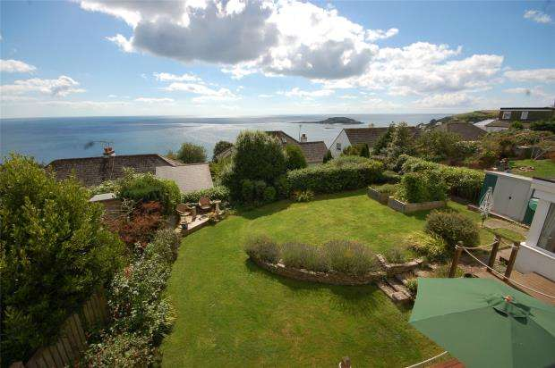 4 Bedrooms Detached House for sale in Meadway, Looe, Cornwall