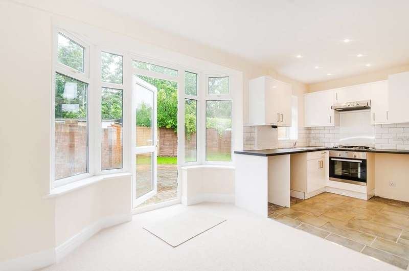 3 Bedrooms Terraced House for sale in Adderley Road, Harrow Weald, HA3