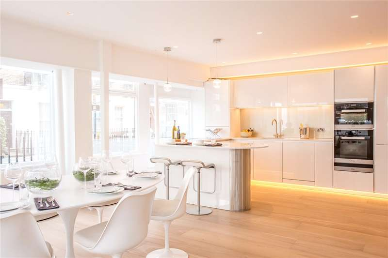 2 Bedrooms Duplex Flat for sale in Cleveland Street, London, W1T