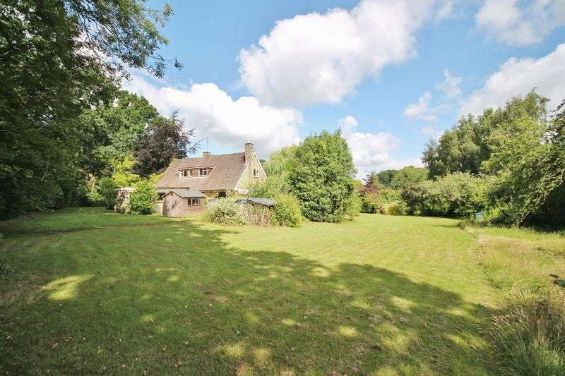 3 Bedrooms Detached House for sale in Melton Avenue, Storrington
