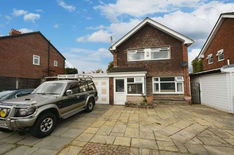 3 Bedrooms Detached House for sale in Oakland Avenue, Offerton, Stockport