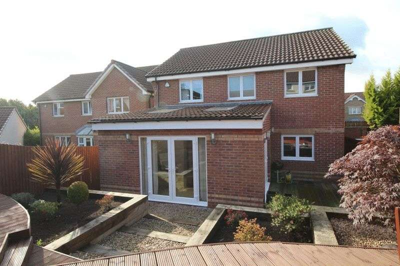 4 Bedrooms Detached House for sale in Michael Nairn Parade, Kirkcaldy