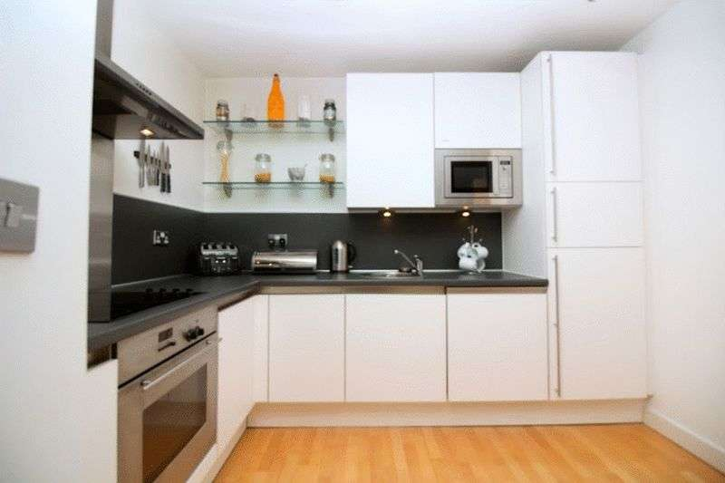 2 Bedrooms Flat for sale in Rossetti Place, Lower Byrom Street, Manchester, Greater Manchester, M3