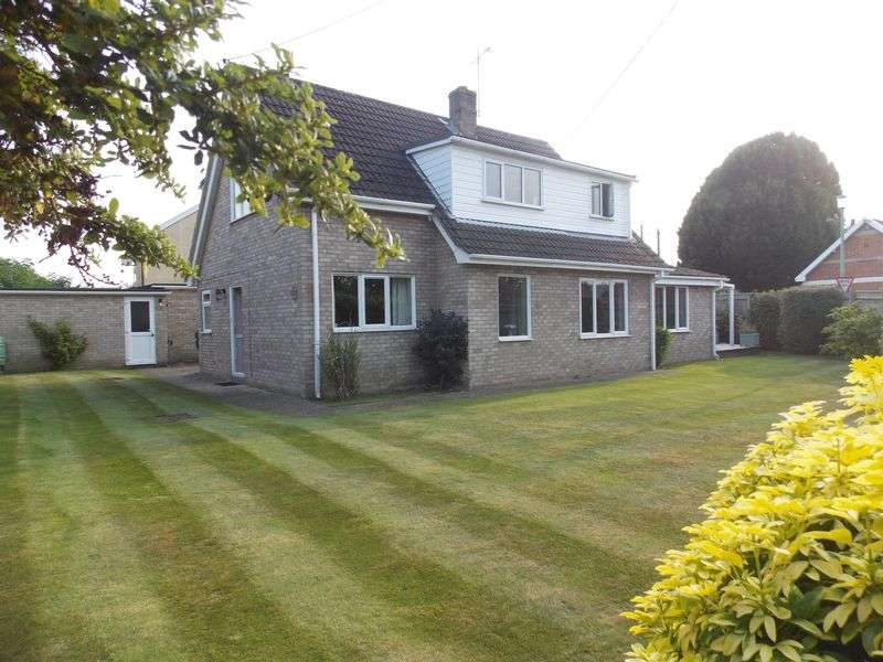 4 Bedrooms Detached House for sale in Kingshall Street, Rougham