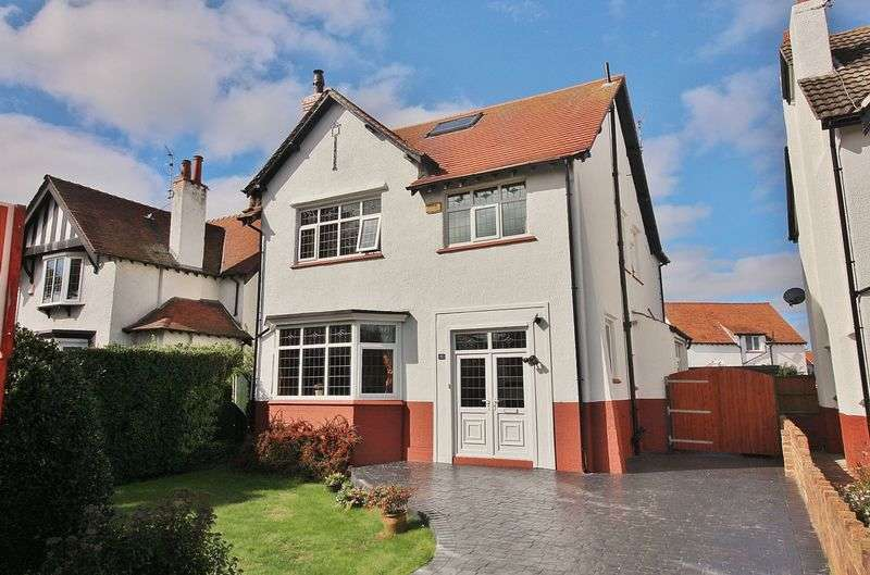 5 Bedrooms Detached House for sale in Carlton Road, Ainsdale