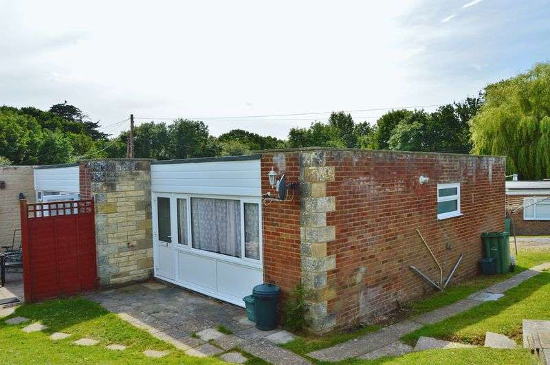 2 Bedrooms Property for sale in Cockleton Lane, Cowes