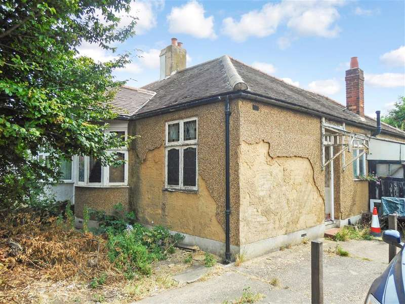 2 Bedrooms Bungalow for sale in New North Road, Ilford, Essex