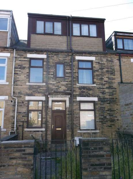 4 Bedrooms Terraced House for sale in Burdale Place, Gt Horton, BD7