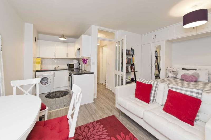 Apartment Flat for sale in Cromwell Road, London