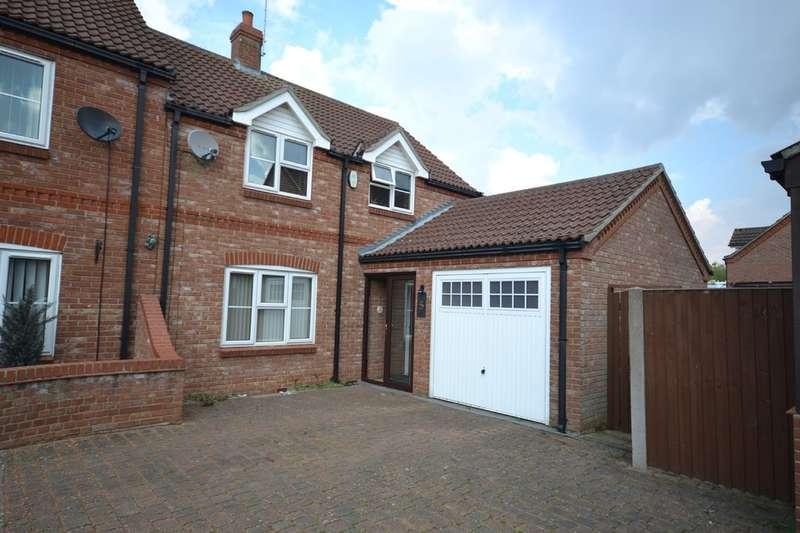 3 Bedrooms Semi Detached House for sale in Dersingham