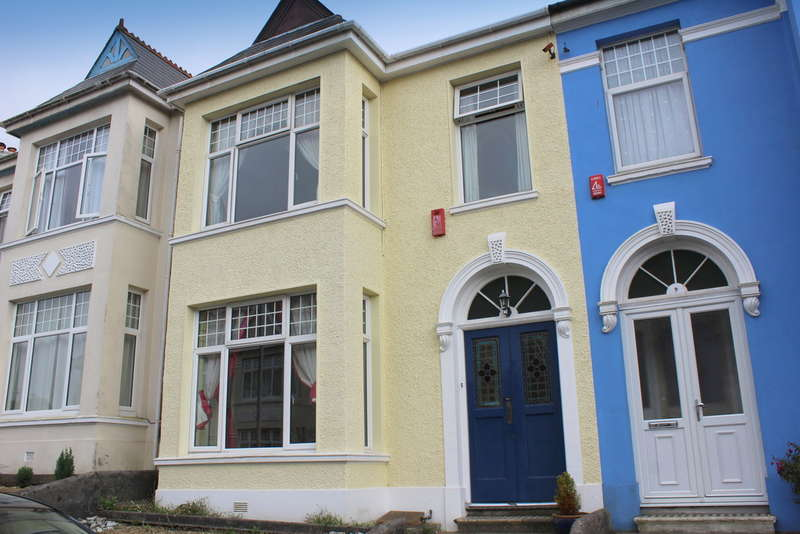 3 Bedrooms Town House for sale in Short Park Road, Plymouth