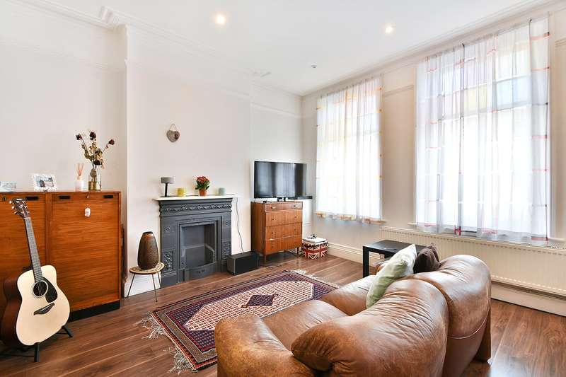 1 Bedroom Flat for sale in The Broadway, Crouch End, London, N8