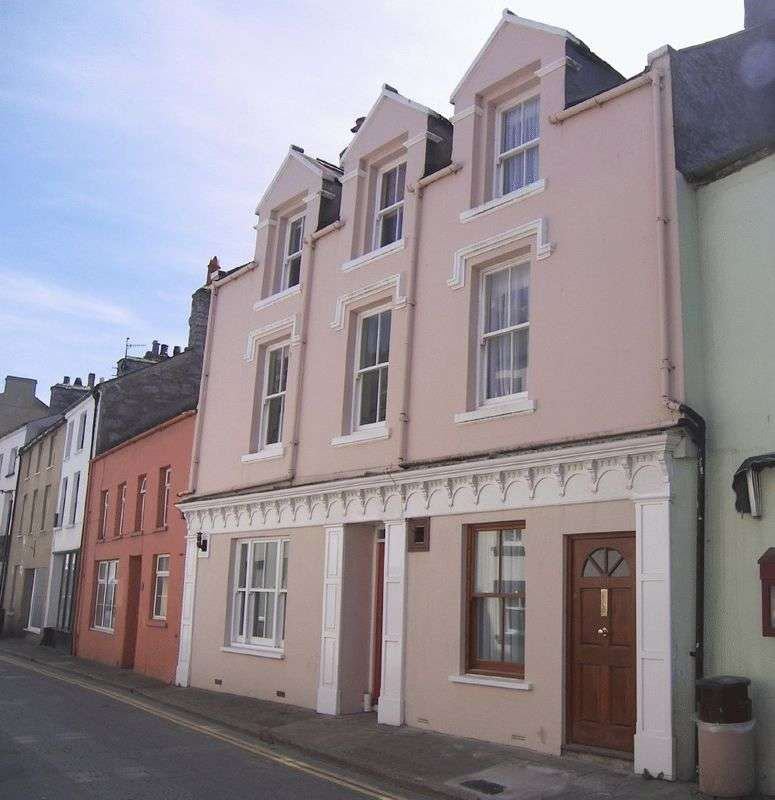 3 Bedrooms Terraced House for sale in Malew Street, Castletown