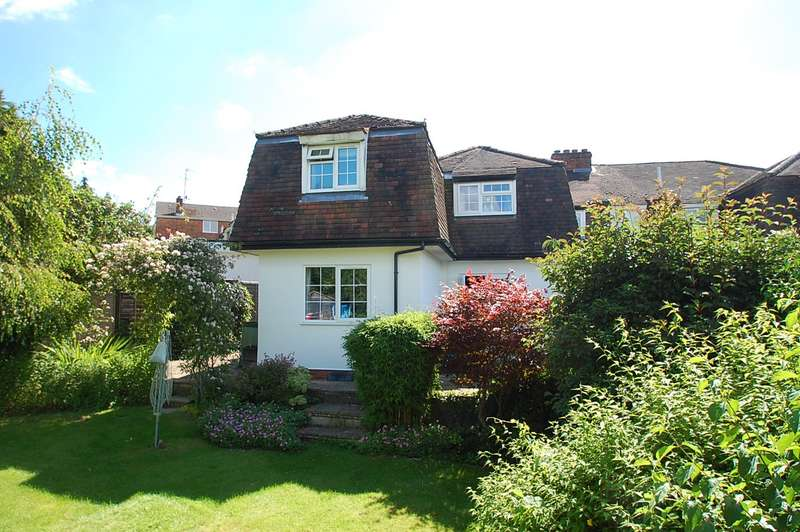4 Bedrooms Semi Detached House for sale in Chestnut Walk, Chalfont St Peter, SL9