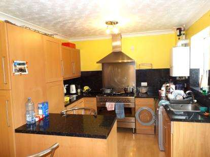 3 Bedrooms Semi Detached House for sale in Thetford, Norfolk, .