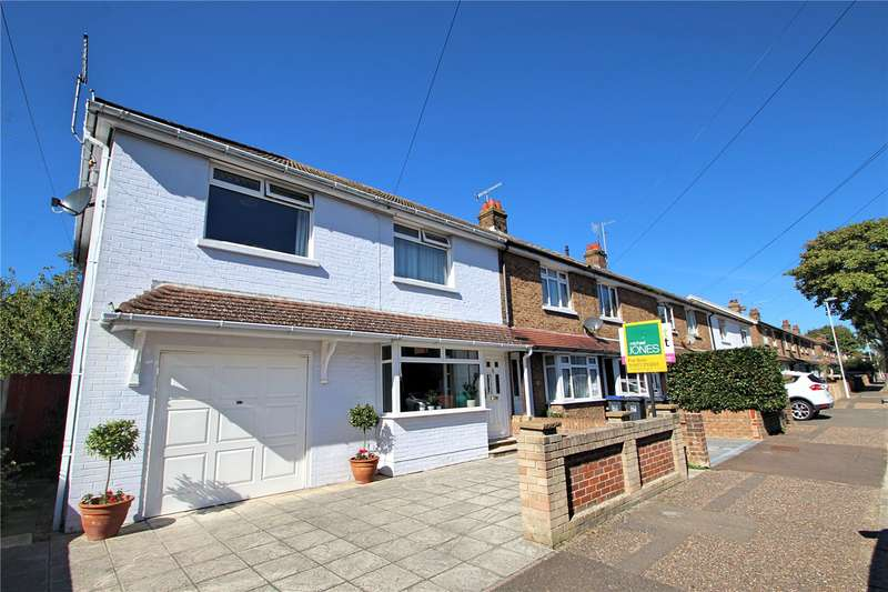 3 Bedrooms End Of Terrace House for sale in St Elmo Road, Tarring, Worthing, BN14