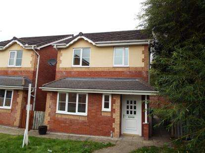 3 Bedrooms Detached House for sale in Cwrt Maes Goch, Bagillt, Flintshire, CH6