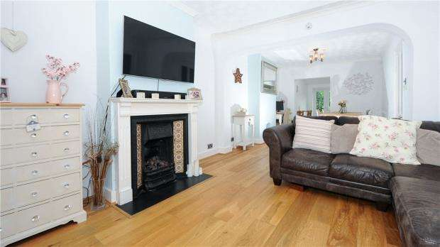 2 Bedrooms Semi Detached House for sale in Rise Road, Sunningdale, Berkshire